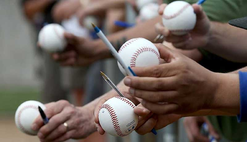 best pen for baseball autographs
